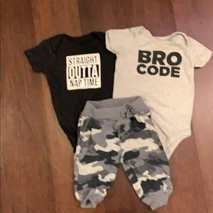 Boys camo sweat pants and 2 onesies size 0-3